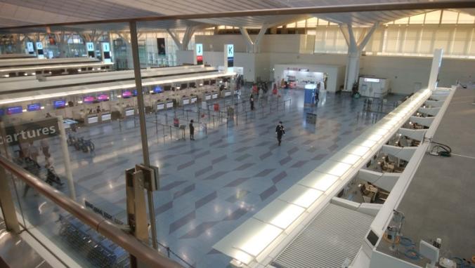 2020-03-29_08b-AirportLobby.jpg