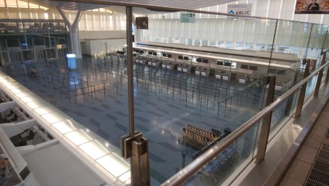 2020-03-29_08c-AirportLobby.jpg